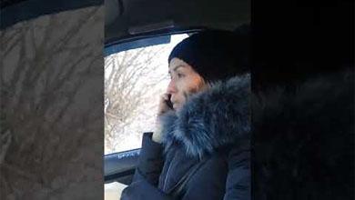 Видео дня: Необычная пассажирка такси потребовала сдачу вперед
