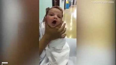 Медсестер уволили после видео, на котором они издевались над больным малышом